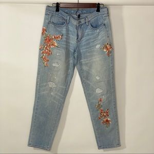 WHBM Embroidered girlfriend Jean sz 8